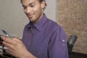 man-sexting